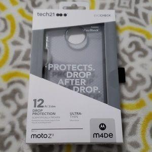 Tech 21 moto z3 phone case